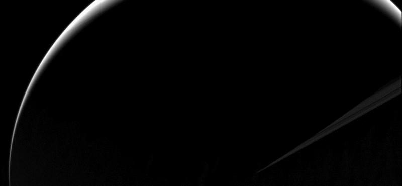 Gyönyörű fotót lőtt a Szaturnuszról a NASA
