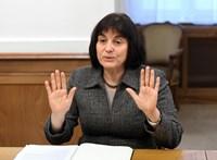 A Jobbik vegzálásától a Momentum büntetéséig – az elmúlt másfél évről az ÁSZ főtitkárával