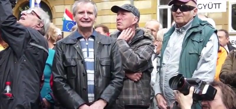 Már az ellenzéket is lemondatnák a pesti tüntetők - videó