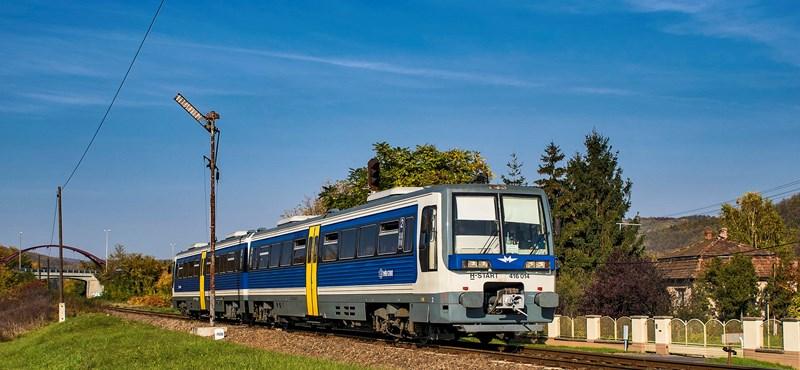 Látta már a MÁV-Start felújított Metrovagonmas motorvonatait?