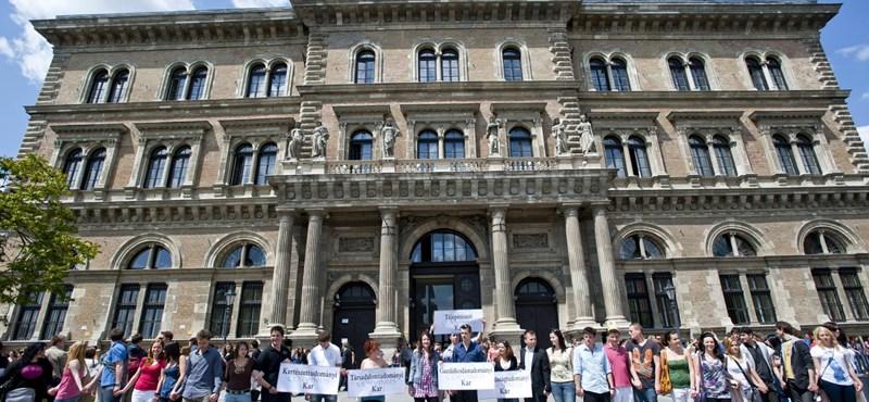 Drasztikus csökkentés: csak 75 államis hely lesz a Corvinus gazdasági alapszakjain