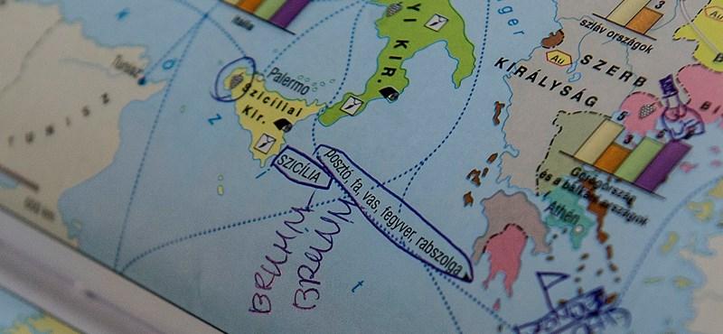 Itt az OFI magyarázata: ezért nincs kronológia az új történelmi atlaszban