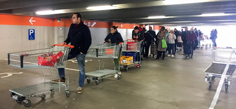 Belgiumban félbehagyják a járványügyi korlátozások enyhítését