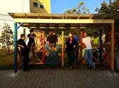 Éjjel bontaná el a pécsi önkormányzat a Kétfarkú buszmegállóját