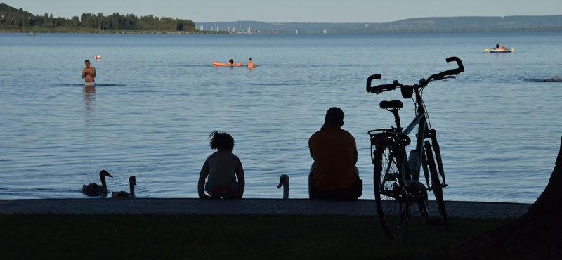 Nem nyert pályázatot, közpénzből építene szörfös klubházat a polgármester fia Balatonfűzfőn