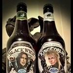 Mesélő címkék - Bowie és Rickman a palackon