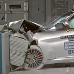 Friss töréstesztek: az Alfa Romeo ugyanolyan biztonságos, mint a Mercedes – videó
