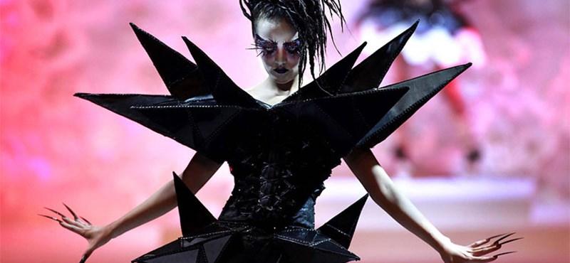 Festményszerű ruhaköltemények a kínai fashion weeken