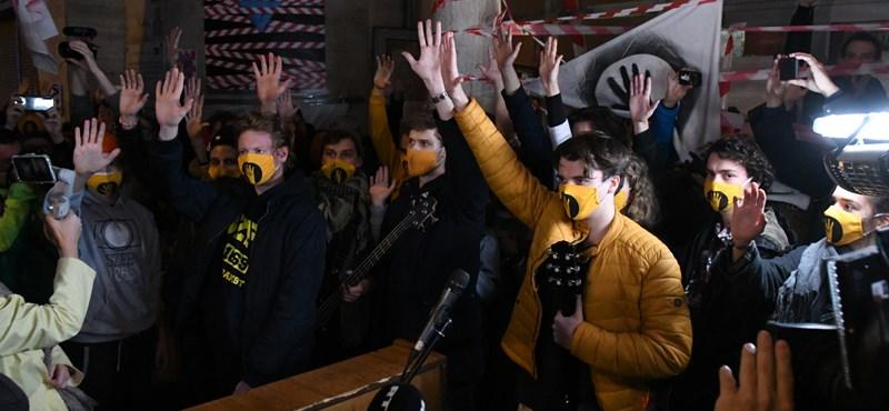 Díjat kaptak az SZFE hallgatói a kiállásukért