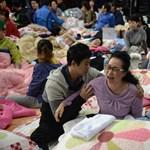 Bocsánatot kért a kompbalesetért a dél-koreai elnök