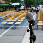 Videó: ezeken a beszédeken röhögnek a diákok