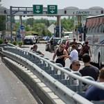 Több határnál torlódik a teherforgalom, akár 4 órát is várni kell