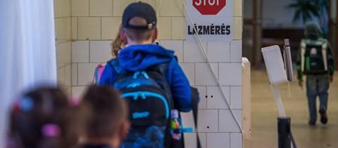 """Gulyás Gergely: """"Fontos, hogy április 19-én visszaálljon az oktatás normális rendje"""""""