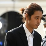 Tömeges szexuális erőszakért elítélték a két dél-koreai tinibálványt
