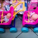 A szülők fele 10 ezer forintnál többet költ a gyerekei ajándékaira
