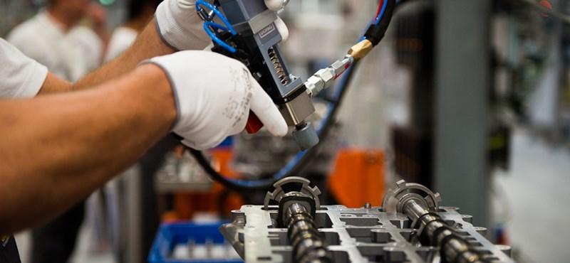 Visszaesett az autógyártás, nagyot fékezett a magyar ipar