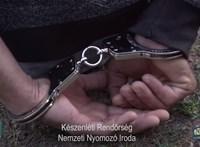Több száz embert Nyugat-Európába juttató embercsempész bandán ütött rajta a rendőrség