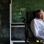 Ez lesz az álomárverés geekeknek: Hawking kerekesszéke is eladó