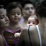 A szoptatás gazdasági előnyökkel is jár
