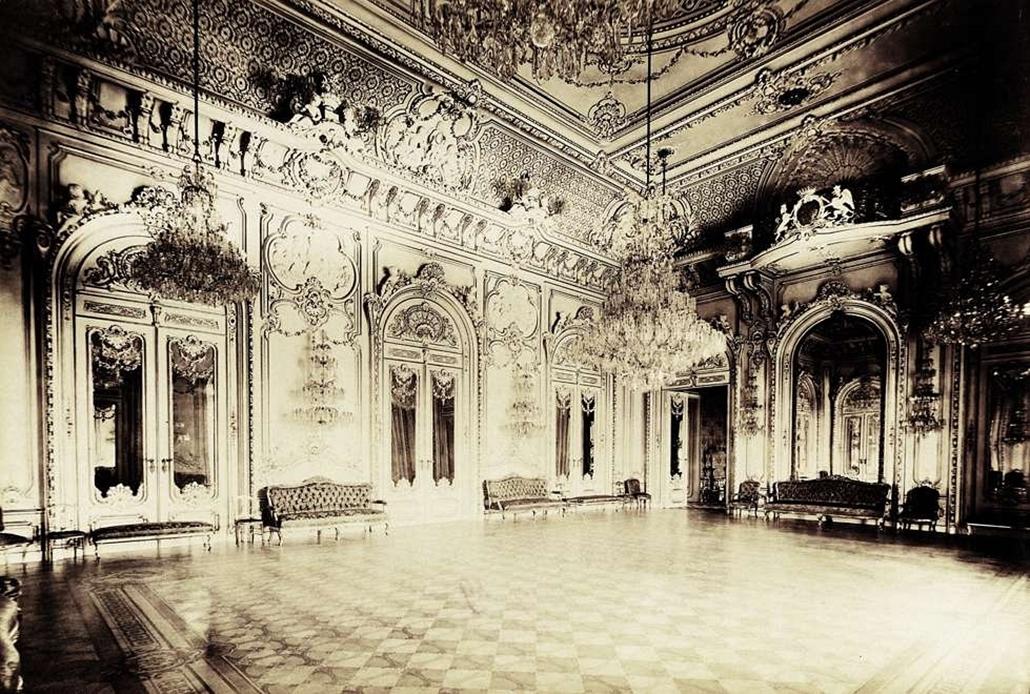 fortep_! - Klösz György kastély nagyítás - Az 1853-56-ban épült Karácsonyi-palota táncterme. A felvétel 1895-1899 között készült.