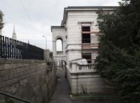 Közel félmilliárdba került eddig a Türk Tanács budapesti irodája