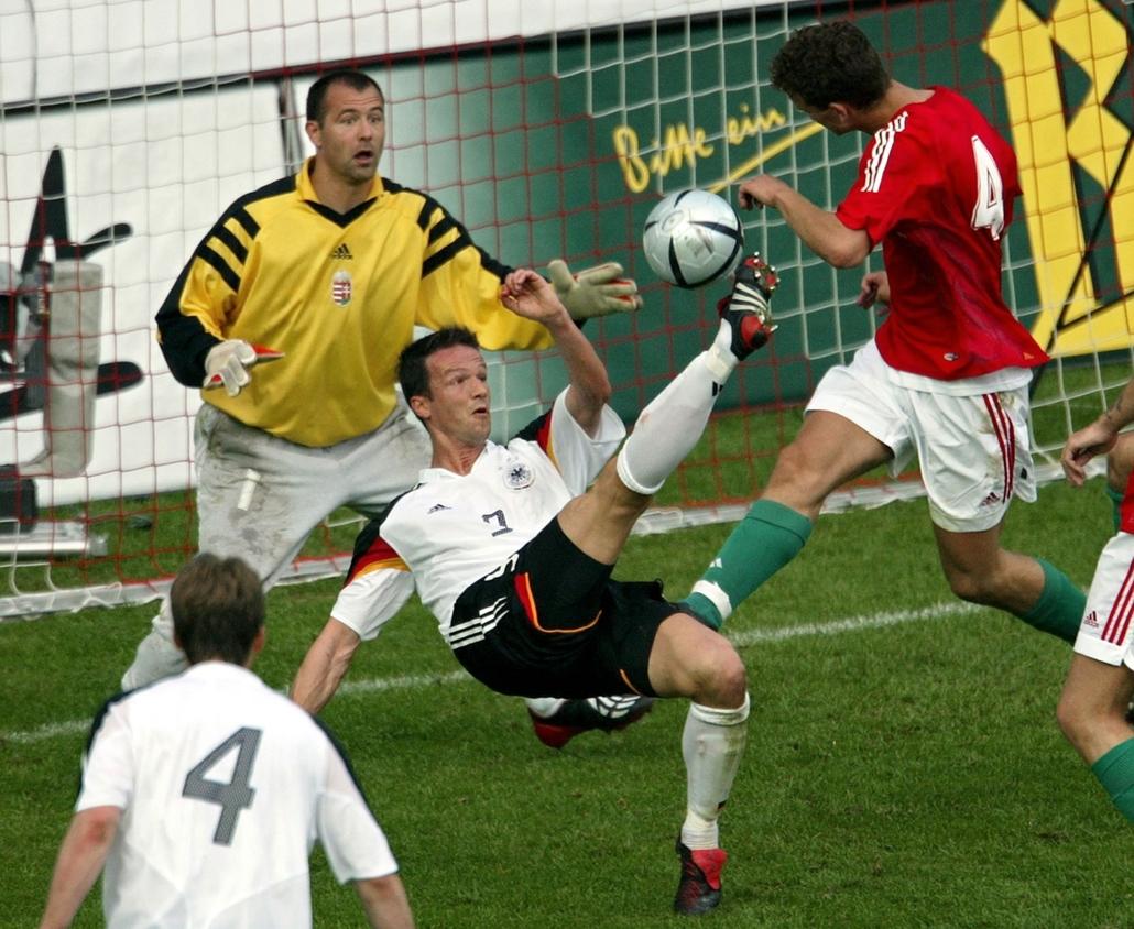 afp.04.06.06. Király Gábor 2004ben a Fritz-Walter Stadionban Kaiserslautern-ben, az  Euro 2004 előkészítő meccs során.