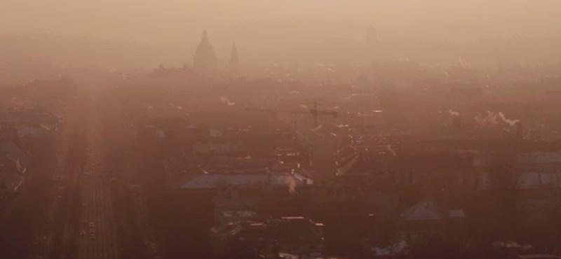 Csapnivaló a levegő Budapesten, elrendelték a szmogriadó tájékoztatási fokozatát