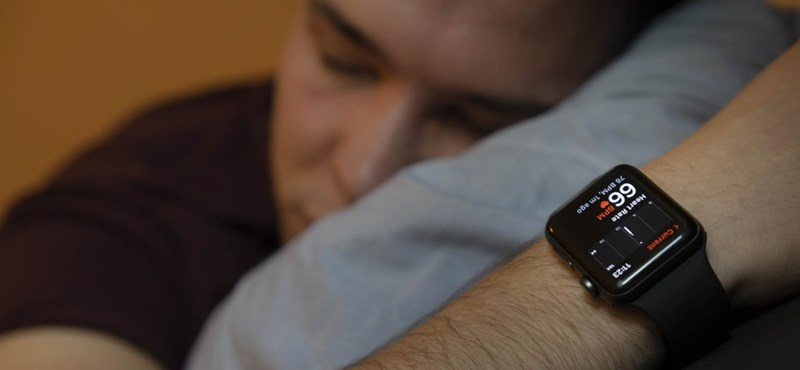 Many people wear the Apple Watch while sleeping, and this is a growing concern in America
