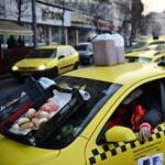 Rendőrség: Szerda éjfélig biztosan maradhatnak a taxisok