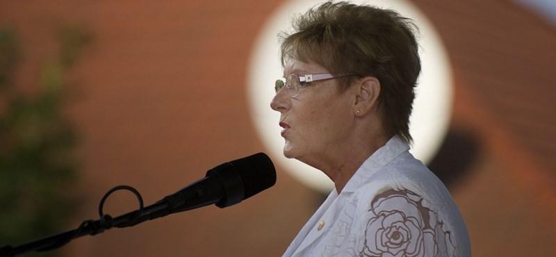 Hoffmann Rózsa nagymamás érvekkel védte az egyházi oktatást