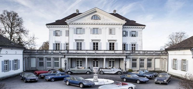 Ilyen csak a mesében van: 12 klasszikus veteránautót találtak egy svájci kastélyban