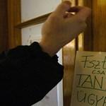 Több ezren bukták el a tandíjmentes helyet, mégis tovább szigorít a kormány
