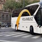 Volánbusz: Nem büntetik a buszsofőrt, aki maszk nélküli utast enged fel