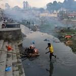 Nepáli kormányfő: A 10 ezret is elérheti a halottak száma