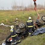 Meghalt a ripityára tört autó sofőrje - fotó