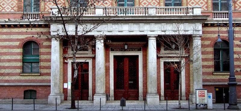 Bezárja 400 fős kollégiumát az ELTE