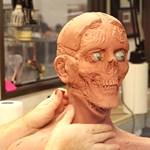 Videó: Így készülnek a zombimaszkok a Walking Deadhez