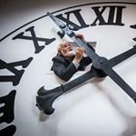 Eltörölhetik az óraátállítást, de Magyarország veszítene ezzel