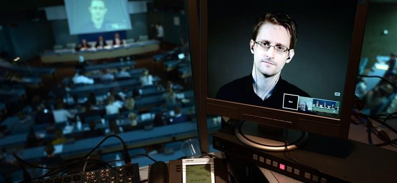 """""""Sötét pillanat"""" – Snowden is kommentálta Trump megválasztást"""