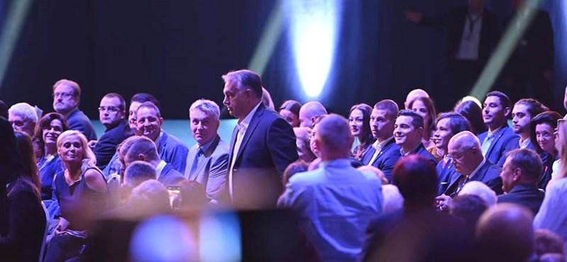Állva éljenezték az újraválasztott Orbánt, mentegették Trócsányi buktáját - tisztújítás a Fideszben