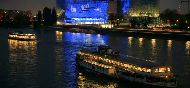 Pluszmunkát hozott a keddi felhőszakadás a Duna Aréna kivitelezőinek