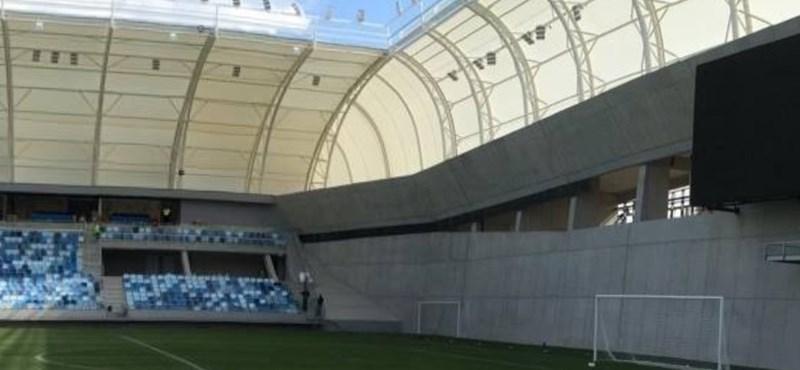 """Kiborultak a kommentelők a hatmilliárdos új MTK-stadion """"siratófalain"""" - fotók"""