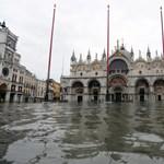 Elöntötte a víz a velencei Szent Márk teret, mert nem kapcsolták be a zsiliprendszert
