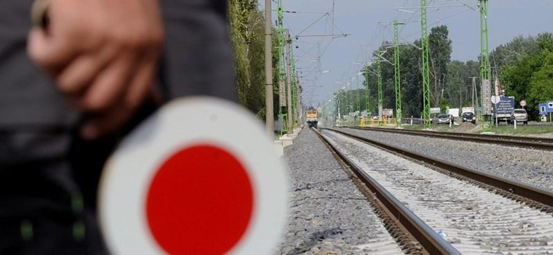 Műszaki hiba miatt késnek a vonatok a Budapest-Szolnok vonalon