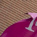 Milliókra büntették a Magyar Telekomot egy iPhone-reklám miatt
