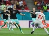 Nyertek az osztrákok, Eriksen előtt tisztelgett az egyik góllövőjük – percről percre az Eb-ről a hvg.hu-n