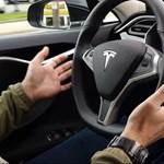 Múltkor belerohant egy kamionba a Tesla Autopilot, de most nagyot mentett