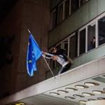 Reggelre le is szedték a tüntetők által kitűzött uniós zászlót a Rádióról