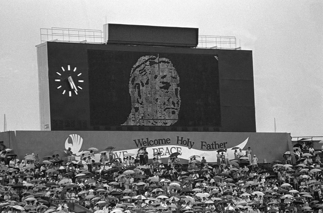 afp.86.11.20. - Szingapúr: szabadtéri misén köszöntötték a szentatyát - ,II. János Pál pápa