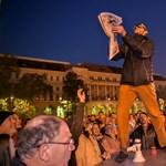 Szlovákiában címlapot kapott a Népszabadság, a MÚOSZ-tól egy szót sem